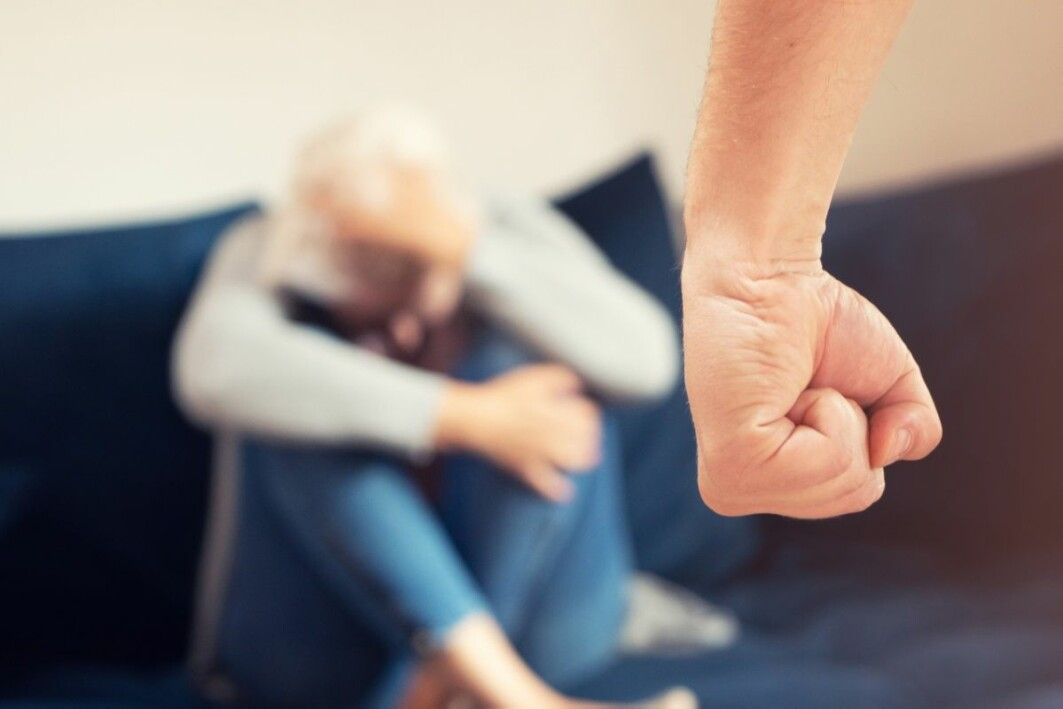 Konsekvensene av partnervold kan være store. Studien viser en klar sammenheng mellom partnervold og dårligere psykisk helse, uansett etnisitet og kjønn.