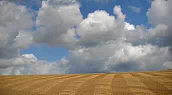 Truende skyer over en varmere verden
