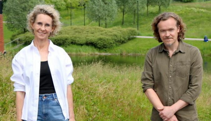 Silje Førland Erdal og Lars Gudmundsson møtes til samtale om 22. juli og undervisning - både i skolen og på Utøya.