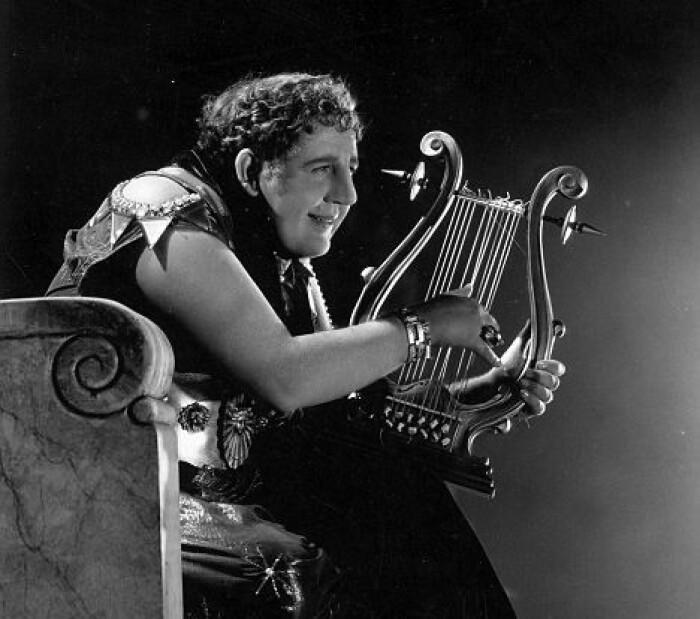 En rekke filmer har fortalt oss historien om den fryktelige Nero. Her skuespilleren Charles Laughton i filmen The sign of the cross (Korsets tegn) fra 1932.