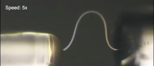 Forskerne lager syltynne, bøyelige tråder av helt vanlig is