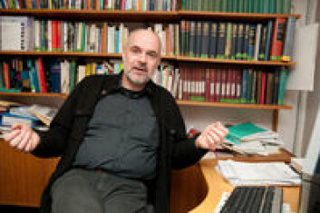 Professor Jan Terje Lifjeld på Naturhistorisk museum. (Foto: Yngve Vogt)