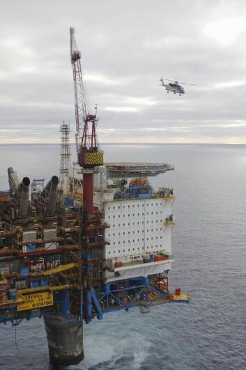 """""""Paleontologer er også ettertraktet på oljeplattformer. Her er Statoils oljeplatform Gullfaks C som ligger i Nordsjøen. (Foto: Øyvind Hagen/Statoil)"""""""