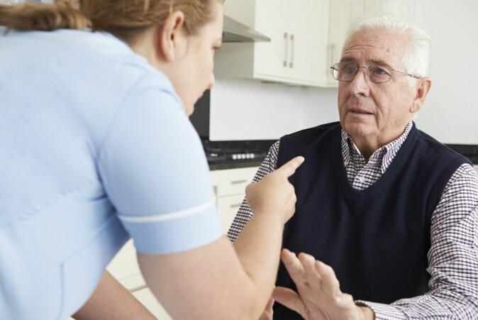 Overgrep mot eldre er svært utbredt.