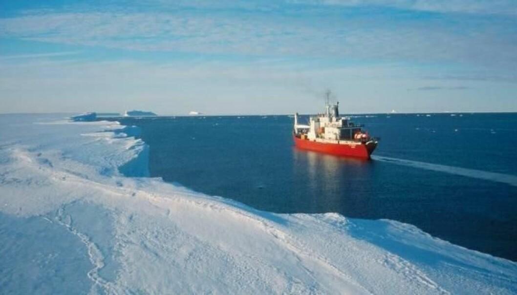Fimbulisen møter havet i en brefront på 70ºS (foto: Ole Anders Nøst)