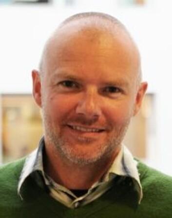 Svein Fuglestad forsker og praktiserer musikkterapi som er et alternativ til klassisk samtaleterapi.