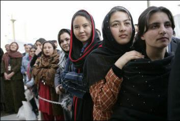 Afghanske kvinner. (Foto: Wikimedia Commons)