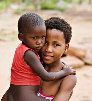 Rett til jord sikrer barns framtid. (Foto: Shutterstock)