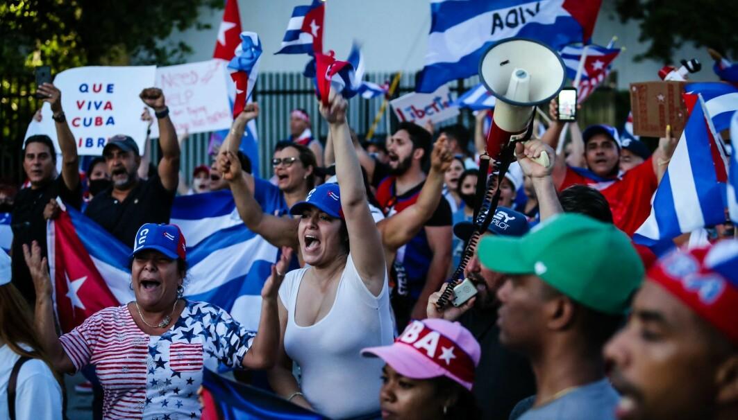 Torsdag 15. juli gikk eksilmiljøet i Florida til støtte-demonstrasjon for kubanere og mot den amerikanske regjeringen.