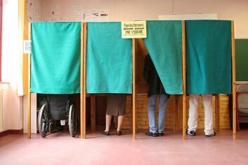 Valgets kval i stemmeavlukket. Mange velgere finner ikke sitt parti før i siste liten, på selve valgdagen. (Foto: Colourbox.no)