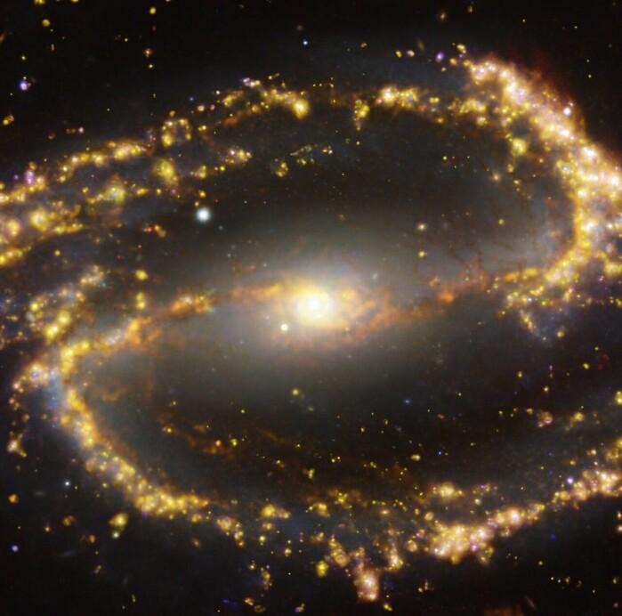 Galaksen NGC 1300 ligger 31 millioner lysår fra jorden.