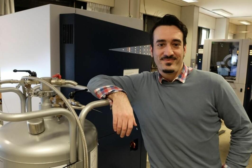 Georgios Kalantzopoulos har vist at teknikkene de har brukt på lab'en er i stand til å studere kjemiske prosesser på atomnivå.