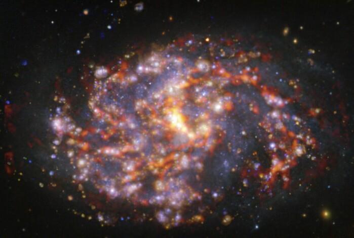 NGC 1087 er en spiralgalakse 80 millioner lysår unna.