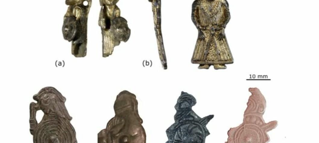 Mytiske figurer på amuletter forestiller kanskje utkledde vikinger – ikke norrøne guder