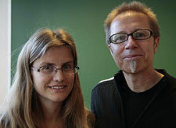 Forsker Heidi Sandaker og doktor Michael Doser deltar i AEgIS-prosjektet i CERN. Denne uken inviterte Sandaker en gruppe ledende antimaterieforskere til workshop ved Institutt for fysikk og teknologi. (Foto: Kim E. Andreassen)