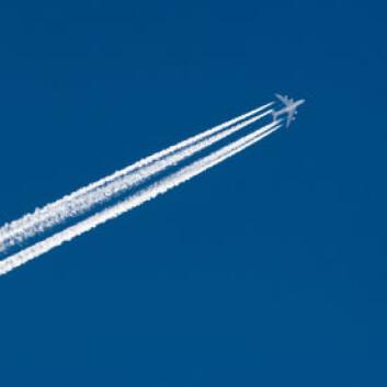 Luftfartsindustrien satser på biodrivstoff. De bør sjekke det totale karbonregnskapet, mener amerikanske forskere. (Illustrasjonsfoto: iStockphoto)