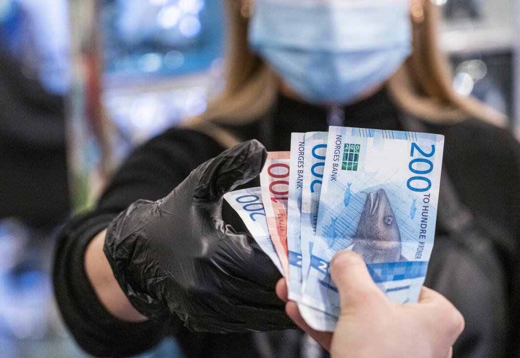 Koronavirus lever ikke lenge på pengesedler, ifølge en ny studie.
