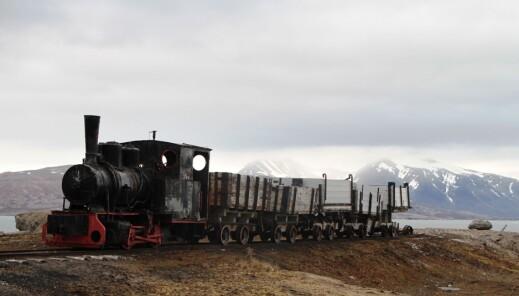 Toget står igjen etter gruvedriften.