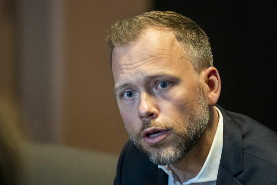 – Det er opplagt at vi må slutte å lete etter mer olje, og jeg utfordrer alle partiene til å legge fram konkrete planer for hvordan vi kan nå klimamålene, sier SV-leder Audun Lysbakken. Rødt, SV, MDG og Venstre går alle til valg på full stans i oljeletingen i Norge.