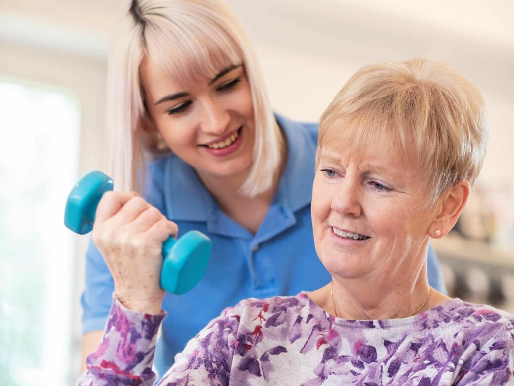 Regelmessig mosjon gjør hjertet sterkere og forebygger høyt blodtrykk, risikofaktor nummer en.