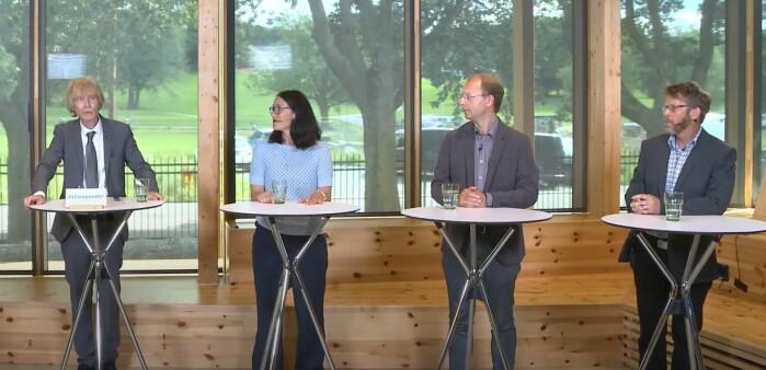 Norske forskere som har vært med på første del av klimapanelets nye hovedrapport presenterer resultatene 9. august 2021. Fra venstre: Jan Sigurd Fuglestvedt (Cicero), Trude Storelvmo (UiO), Bjørn Samset (Cicero) og Asgeir Sorteberg (UiB).