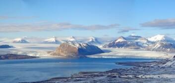 Kongsfjorden på Svalbard opplevde vinteren 2006 en klimaendring som fikk dramatiske konsekvenser for hele økosystemet i fjorden. (Foto: Kim Holmén, Norsk Polarinstitutt)