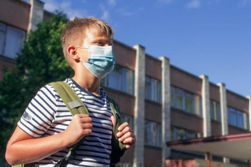 Koronaviruset vil i hovedsak ramme barn i fremtiden, mener forskere.