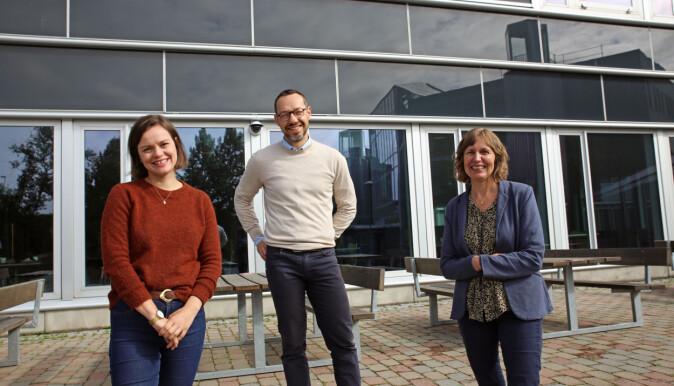 Fra venstre: Eli Kristiansen, Paolo Zanaboni og Monika Johansen ved Nasjonalt senter for e-helseforskning.