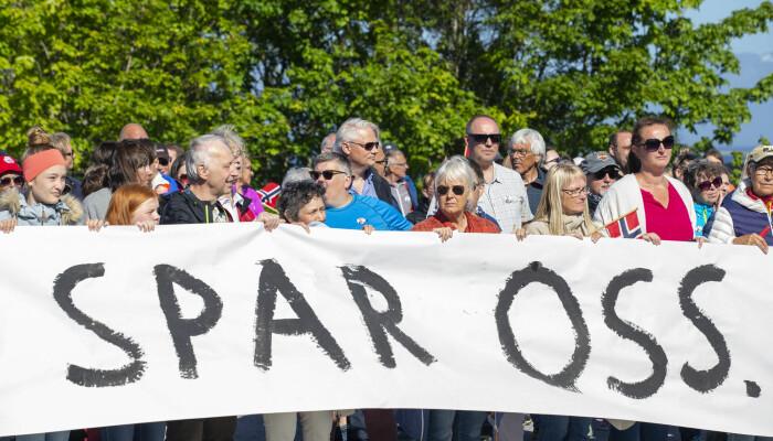 En protestaksjon mot vindkraftverk på Haramsøy.