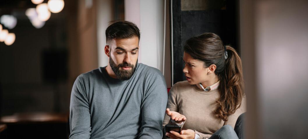 Når penger er viktig for selvfølelsen din, kan det gå utover parforholdet