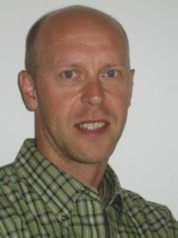 – Ein av grunnane til at blåskjel er gunstige å bruke i miljøforsking er at dei lett tek opp miljøgifter frå sjøen, seier Jonny Beyer.