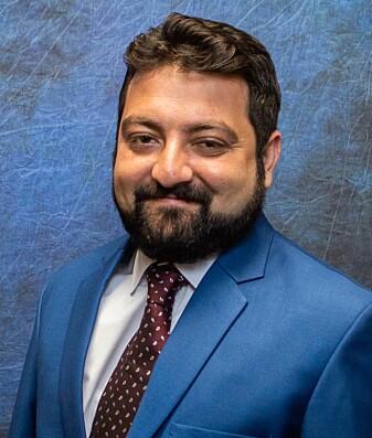Umer Hussain forsker på rase, religion og kjønn i e-sport.