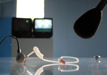 Mannlige politikere griper oftere mikrofonen når sjansen byr seg. (Illustrasjonsfoto: www.colourbox.no)