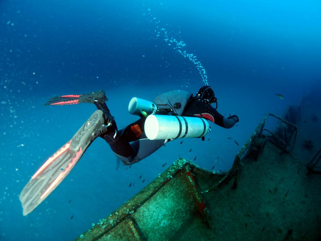Det kommer mange eventyrlystne fritidsdykkere til Malta for å utforske de vakre vrakene etter landets lange historie med europeiske og arabiske erobringer. Hvert år får 50 til hundre dykkere på Malta trykkfallsyke.
