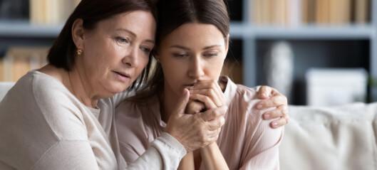 Holder tilbake informasjon og overlater pårørende til seg selv