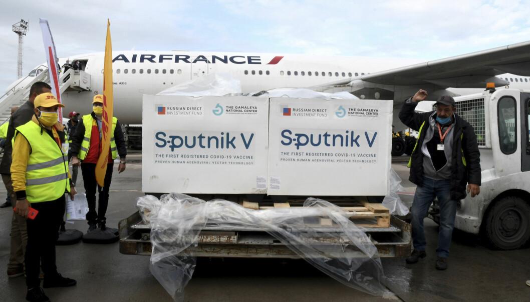 Sputnik-vaksiner ankommer Tunisia i mars 2021. Landet har også fått vaksiner fra det kinesiske selskapet Sinovac.