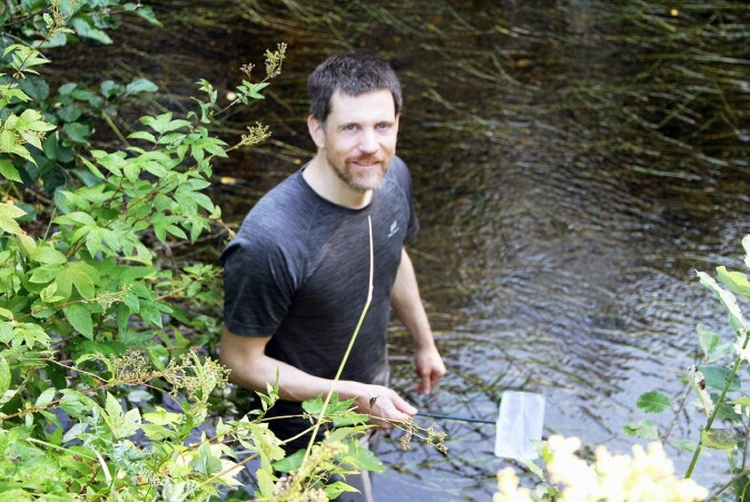 Forskerne hentet opp uklekkede egg fra vannloppa fra en grunn fiskedam i Oud-Heverlee i Belgia.