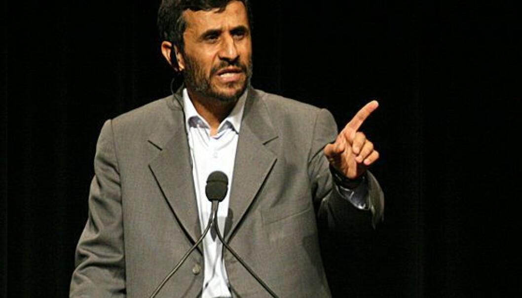 Irans nåværende president Mahmoud Ahmadinejad hisser til hat mot USA (Foto: Wikimedia Commons)