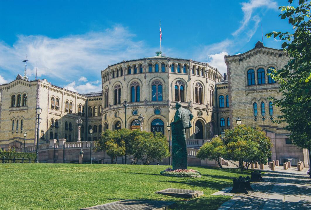 Forskjellen mellom dette stortingsvalget og det forrige, er at regjeringsskiftet nå er langt mer sannsynlig, påpeker Aardal og Haugsgjerd Allern.