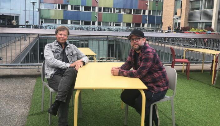 Menn er overrepresentert i selvmordsstatistikken: - Det har nok noe med kultur å gjøre, at det fortsatt er mange menn som tenker at de ikke skal snakke om følelser, sier Torbjørn Mohn-Haugen(til høyre). Lars Mehlum (til venstre) er enig.