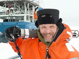 Arild Sundfjord er en av forskerne som studerer samspillet mellom fjorder og isbreer på Svalbard.