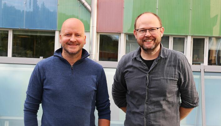 Sigbjørn Aanes, tidligere spinndoktor for Erna Solberg, og medieforsker Rune Karlsen, diskuterer valgkampstrategier i podkasten Universitetslassen.