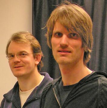 """Henning Knudsen (venstre) og Bjørnar Sandnes, post-doktorer ved Fysisk institutt, Universitet i Oslo."""