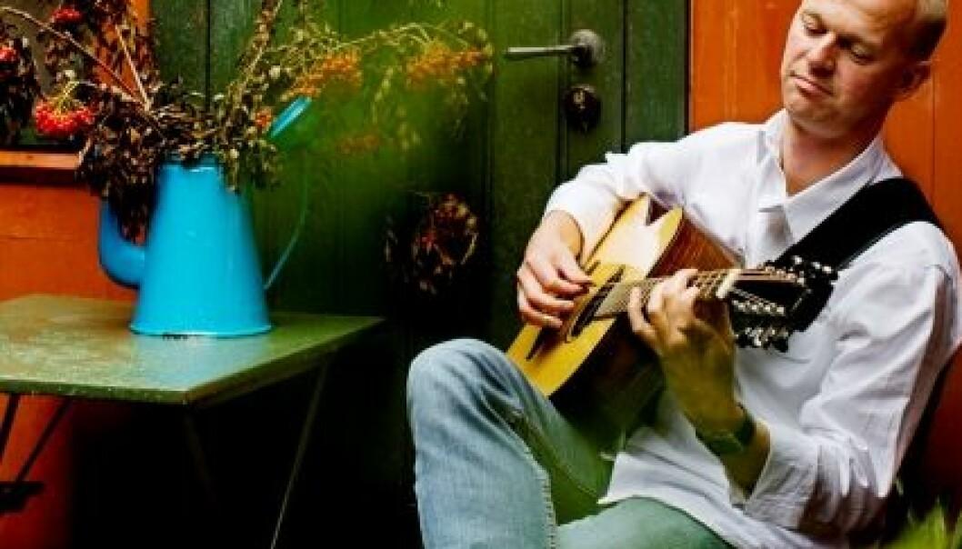 Doktor i felestemt gitar