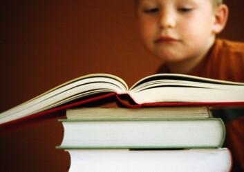 """""""Elever med dysleksi trenger ofte tilrettelegging og støtte gjennom hele skolegangen. Med det filmbaserte programmet kan lesealderen økes dramatisk på bare noen uker. Illustrasjonsfoto: www.colourbox.no"""""""