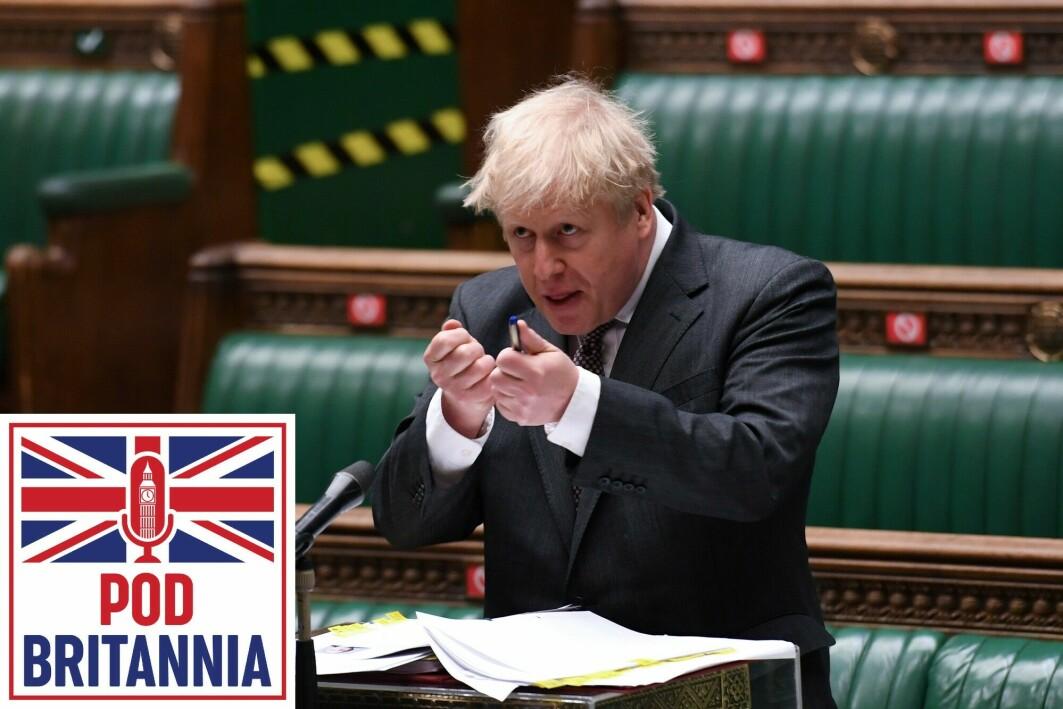 Boris Johnson svarer for seg i Underhuset.