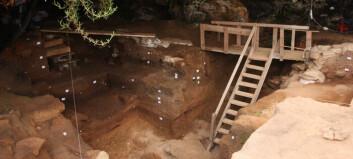 Beinrester tyder på at mennesker laget klær her for 120.000 år siden