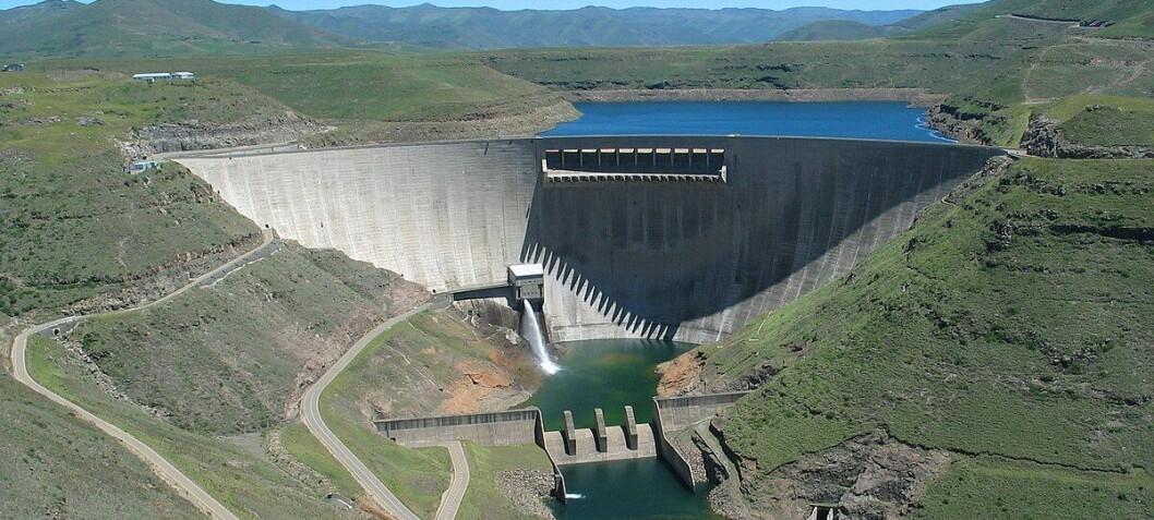 De som skal bygge solkraftverk på vann, kan nå sjekke bølgene på et blunk