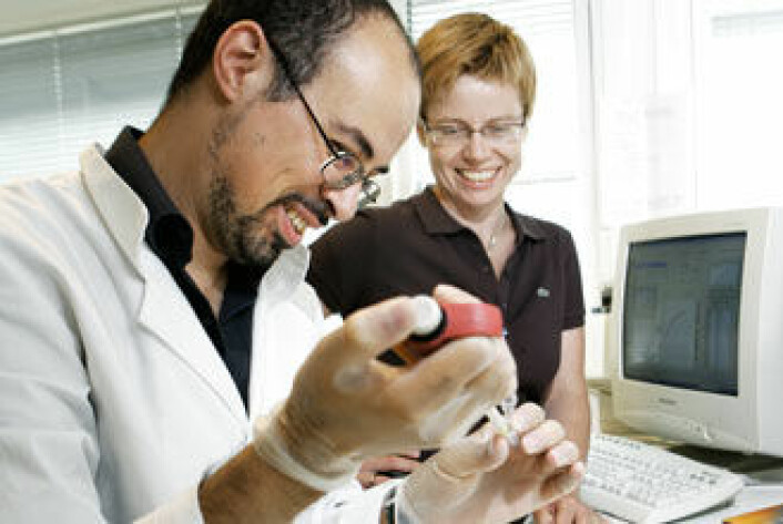 Sirnasense består av administrerende direktør Hanne Mette Kristensen og forskningsdirektør Mohammed Amarzguioui. (Foto: Bård Gudim)