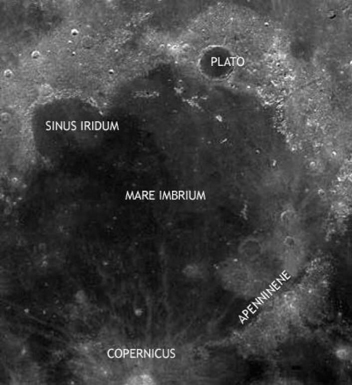 """Mare Imbrium, Regnhavet, i månens nordvestre hjørne. Dette mørke området utgjør det venstre """"øyet"""" til """"mannen i månen"""". (Foto: NASA)"""
